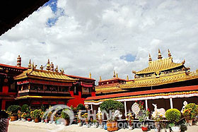 Jokhang Temple - Lhasa Travel Guide