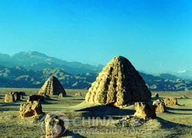 Mausoleums of the Western Xia Kingdom, Ningxia Travel Guide