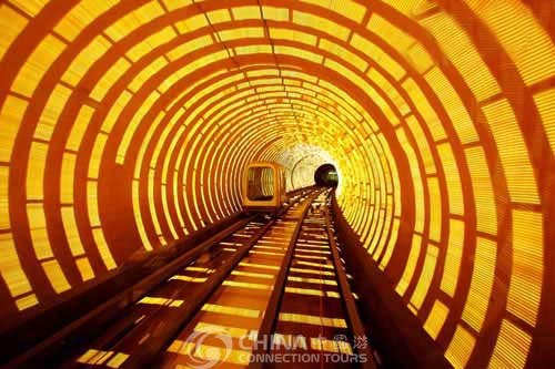 http://www.china-tour.cn/images/Shanghai/Bund-Sightseeing-Tunnel.jpg
