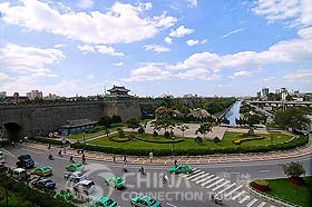 South Gate of Xian City Wall, Xian Attractions, Xian Travel Guide
